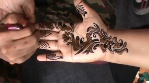 9 new and gorgeous bail mehndi designs with pictures styles at life a bridal mehndi design needs to be intricate and gorgeous this bridal mehndi bail design is very simple but gorgeous the palm of the bride is filled with altavistaventures Image collections