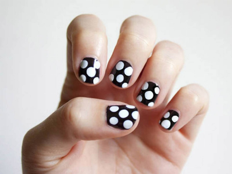 Polka Dot Nail Paint Designs