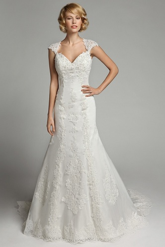 50 latest wedding dresses for brides to be trendy in their for Queen anne neckline wedding dress