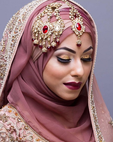 512c352345 15 Modern Muslim Wedding Hijabs For Brides In Different Styles ...