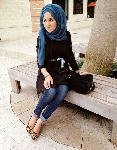 Side-Pinned Hijab Style for School