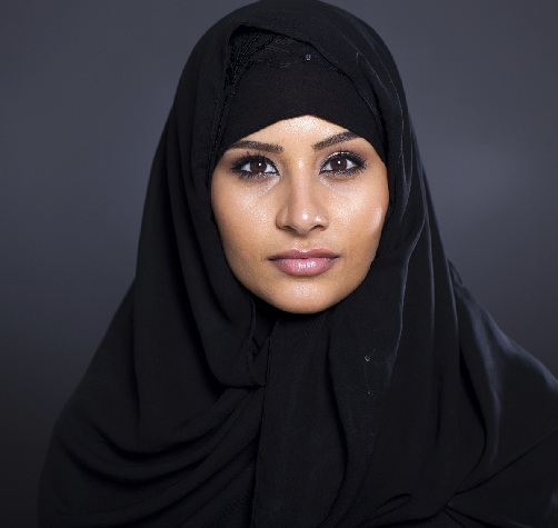 513aae642dedd The simple hijab styles with a traditional touch are still widely worn by  the women. The hijab is made out of black cotton material which is simply  left out ...