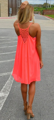 541291b640c During the summer months  one can expect to see plenty of strappy dresses  in bright vibrant colors. Here is one brilliant example of pretty dresses  for ...
