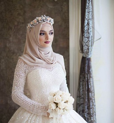 50460eafe5b 15 Modern Muslim Wedding Hijabs For Brides In Different Styles ...