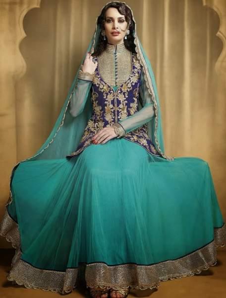 41c369270 20 Best Models of Pakistani Salwar Kameez Designs for Royal Look