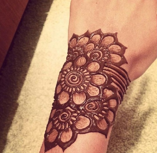 Mehendi Designs For Wrist Part 2 Mehndi Design: 9 Modern And Attractive Red Cone Mehndi Designs