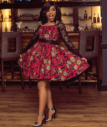 9349a5ed19 The colors and the print truly complement each other giving a very striking  look. This Black and red combination Ankara print looks ...
