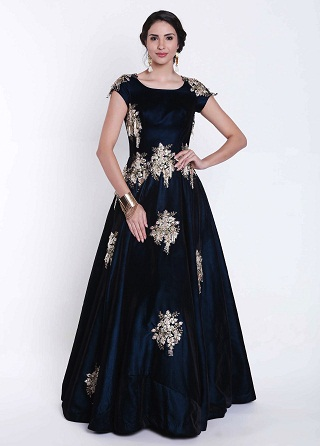 3cb4f6787a38 15 Gorgeous Velvet Frocks for Girl and Women