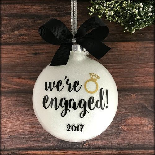 What Is The Appropriate Gift For A Wedding: 15 Unique And Best Engagement Gifts With Images