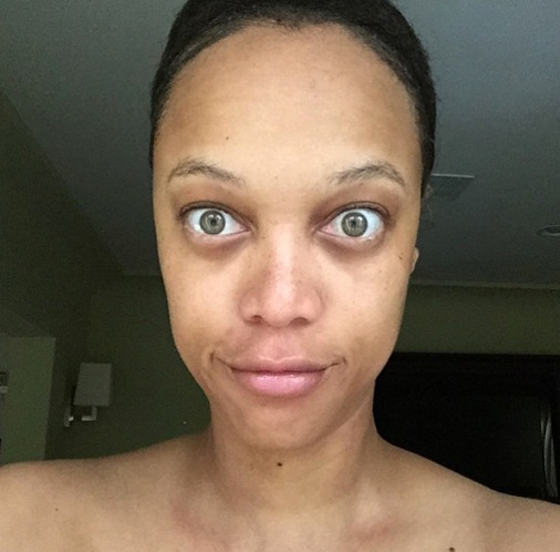 Tyra Banks looked funny in this cute selfie of her. She has absolutely no makeup on her and confidently revealed her patchy, uneven skin.