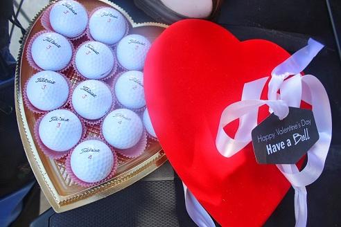 Kit of Golf Balls for Valentine's Gift