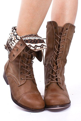 Lace up Boot for Christmas