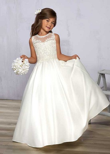 18589f767ee4 Discover this white long frock for cute little girls which are of  sleeveless type. The material used for this white frock is plain white  Satin and the upper ...