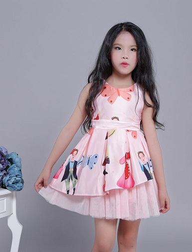 7814ee6b473 Here is a pretty dress for 13 years old girl that can be worn on any  occasion. It is a simple dress with butterfly print. The two layer skirt  part is ...