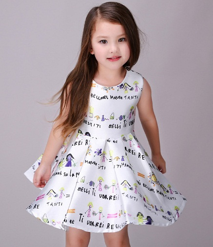 ddfc14668 Check out this rich looking frock for 3 year old in sleeveless design. The  stiff flare at the bottom makes your baby look like a princess.