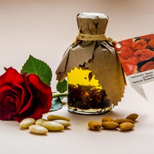 Almond oil with Rose Oil