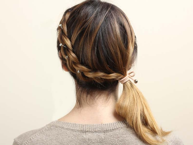 How to Do an Easy Daily Hairstyle for Medium Hair Quick ...