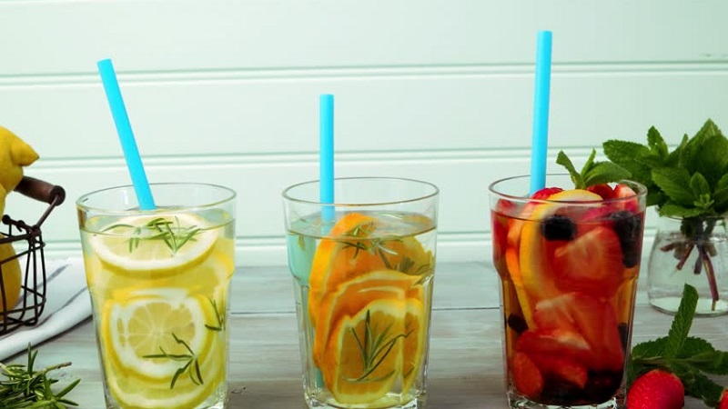 Detox Water Recipes to Reduce Weight