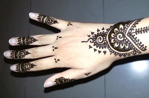 20 Most Impressive Mehndi Tattoo Designs To Try In 2019