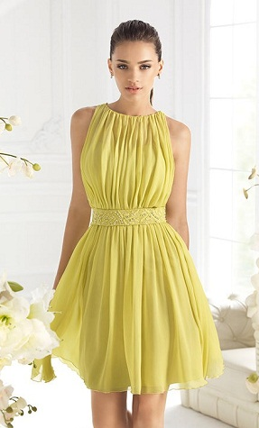 3c9828b109695 The dresses for color yellow may come in many formats but women choose it  for parties and all. For party wear a midi type of dress could be chosen  along ...