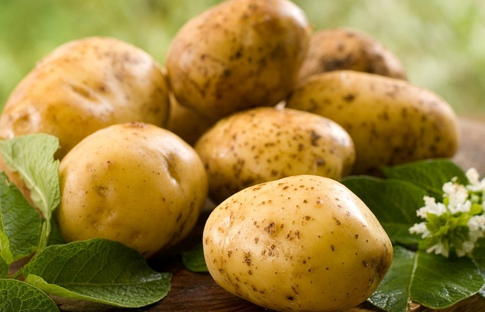 Potato for Effective Skin Tan Removal