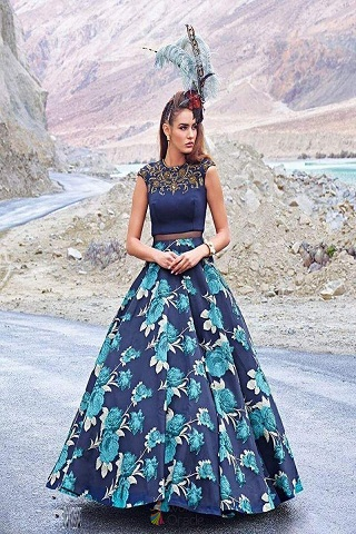 15 Beautiful Floor Length Dresses For Women In Fashion