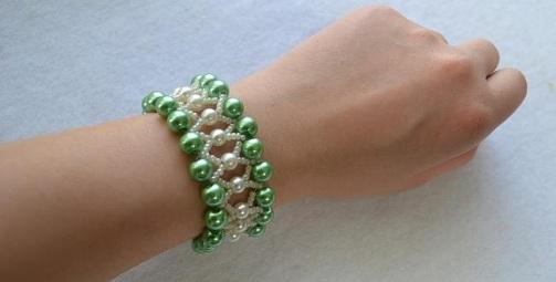 Tiger Tail Design Green Pearl Bracelet