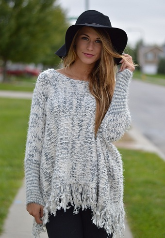 Women's Sweater with Knitted Fringe Edges