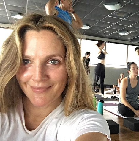 14 amazing pictures of drew barrymore without makeup