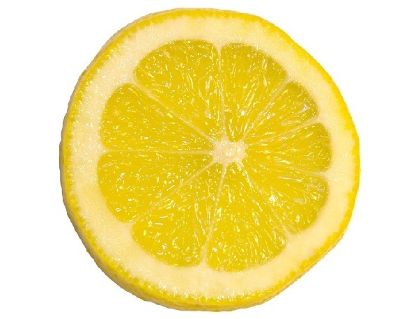 Lemon Juice For Effective Tan Removal