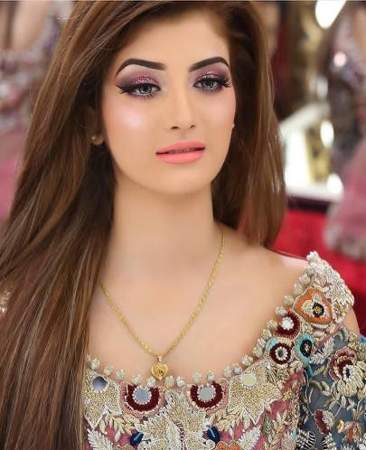 9 Stylish Pakistani Hairstyles For Casual And Wedding