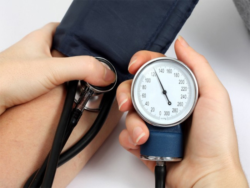 low blood pressure causes and symptoms