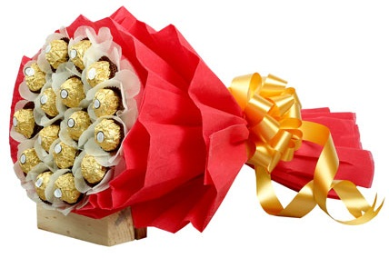 Bouquet Of Ferraro chocolates Birthday Gifts