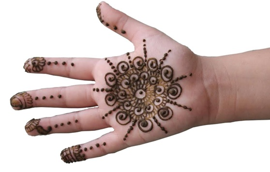 20 Best Mehndi Designs for Kids , To Adore Your Little
