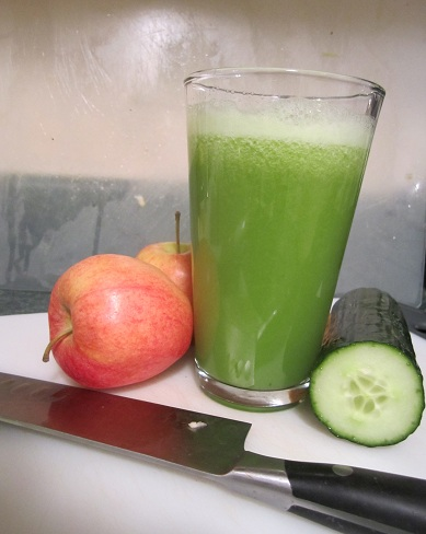 Cucumber Juice with Apple
