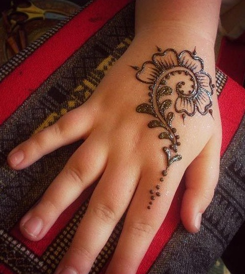 small mehndi designs for kids