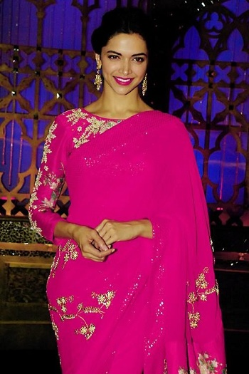 a564da85f7a96 She paints a pretty picture in this Bright Pink Georgette sari embellished  with golden thread work. The vibrant shade of this saree ...