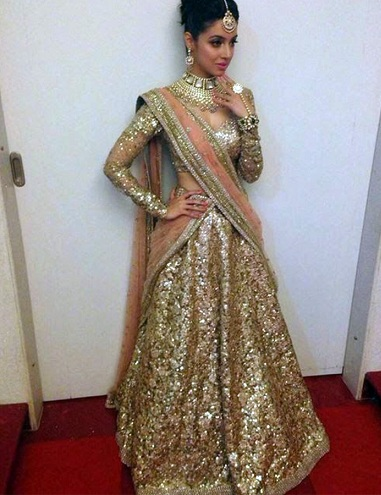 20 Golden Sarees To Explore In This Wedding Season Styles At Life