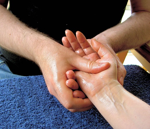 Massage to Treat Wrinkles on Hands