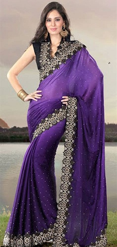 28d1292d8192b5 If you are looking for a designer purple color saree, then this is one of  the best ones out there that sports black designer blouse with it.