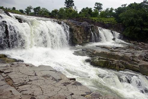 Rampa Waterfalls