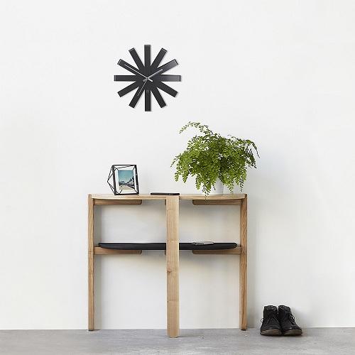 Ribbon Wall Clock