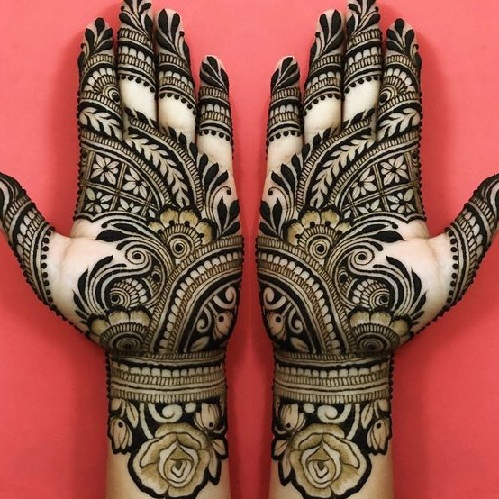 15 Adorable Flower Mehndi Designs for Hands and Feet with
