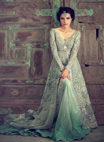 c884570be2a9 45 Trendy Engagement Outfits that are Jaw Dropping