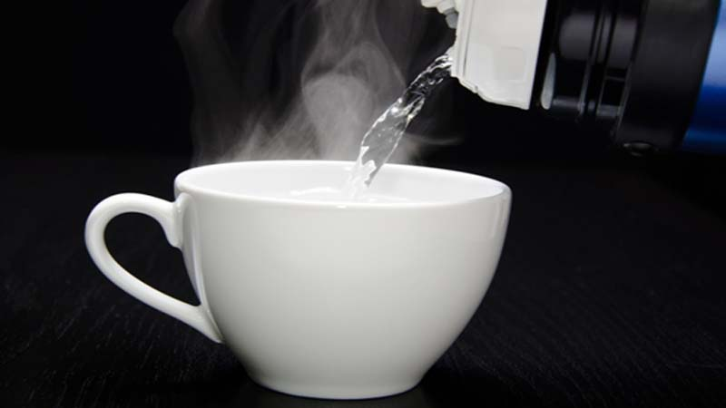 Drinking hot water benefits