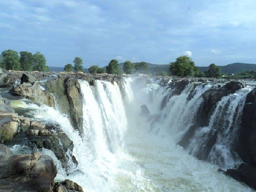 Hogenakkal Waterfalls