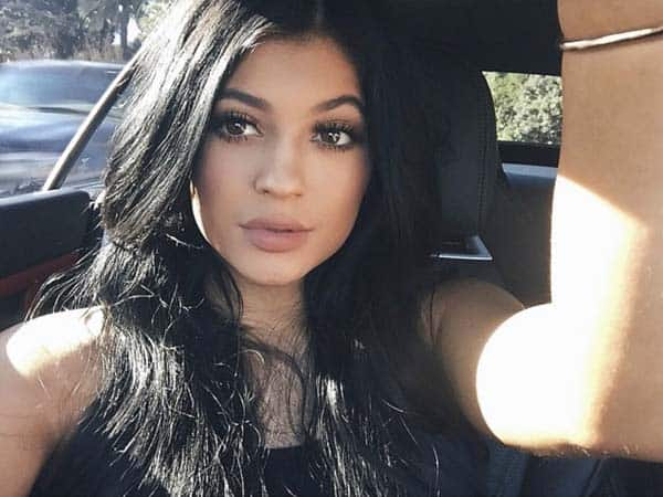 Kylie Jenner without Makeup 19