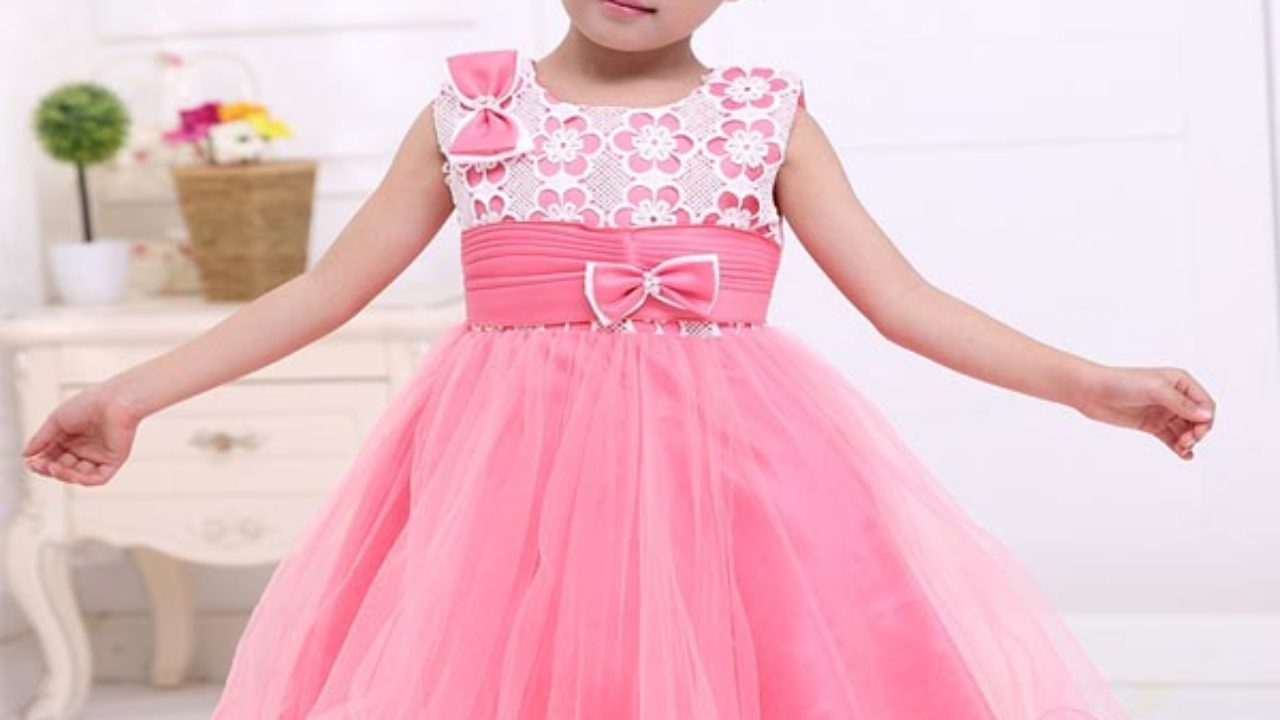 bd76db7af 15 Beautiful Small Frocks for Women and Baby Girl