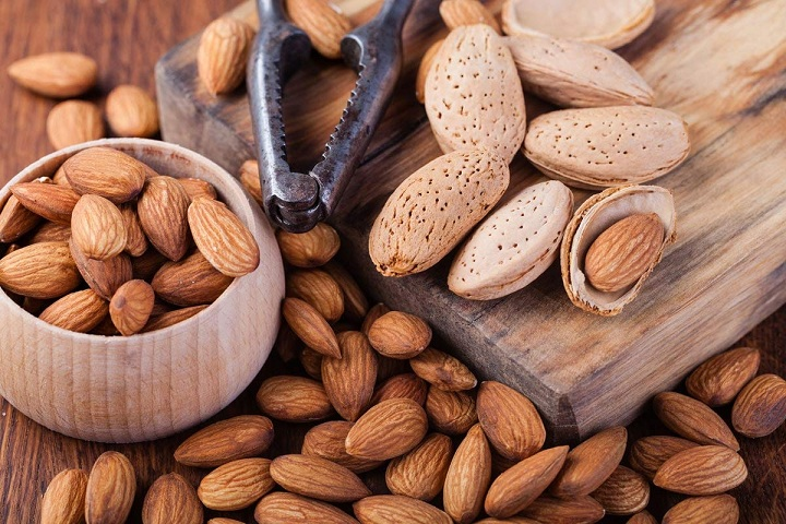 Healthy Nuts That you Should Include in your Daily Diet