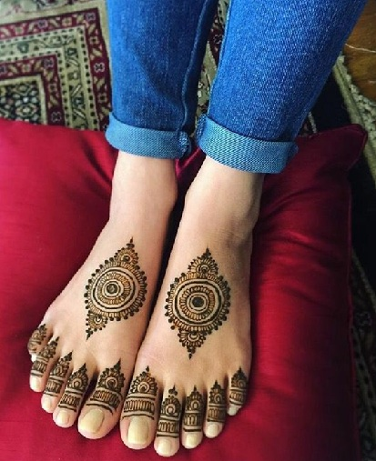 Latest Mehndi Designs For Feet
